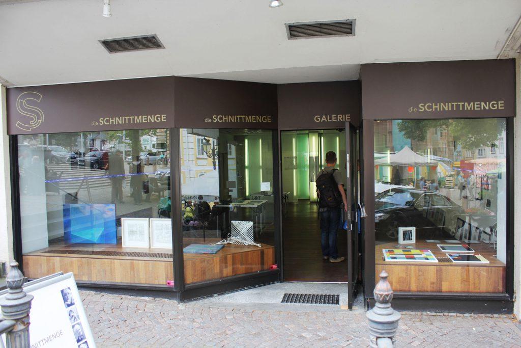 Galerie/Werkstatt am Domplatz 14 - die SCHNITTMENGE - Galerie/Werkstatt am Domplatz